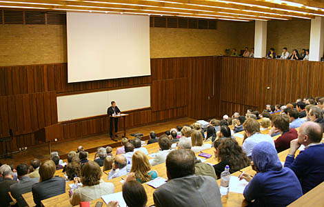 Your Space The Importance Of Lecture Etiquette Gair Rhydd
