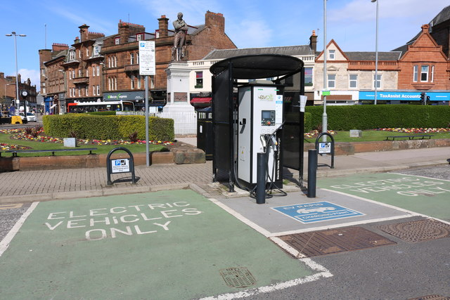 Welsh Government invest into electric car charging points