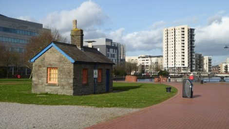 The controversial museum will not displace the lock keeper's cottage.