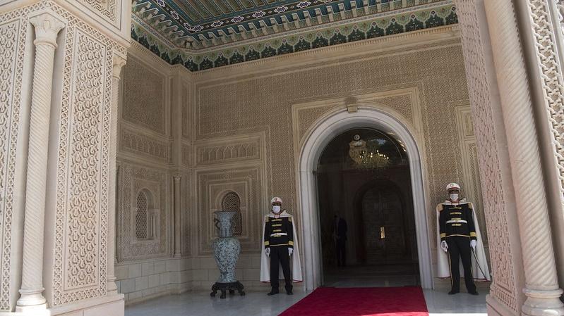 Tunisia ousts PM