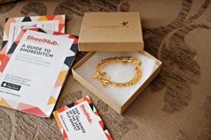 cinderela-b-vintage-kissing-bees-bracelet-gold